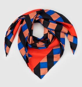 https://www.elcorteingles.es/moda/A21502970-panuelo-bandana-con-estampado-geometrico/